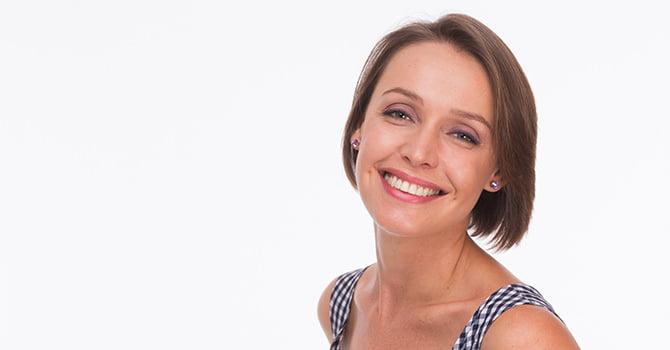 Vrouw Kort Haar Lacht