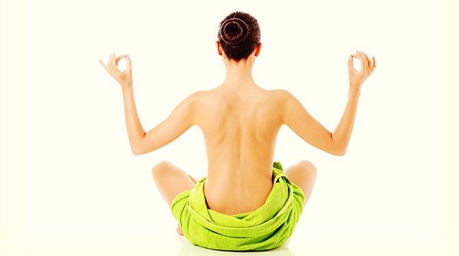 Vrouwelijke Huid Die Yoga Verricht