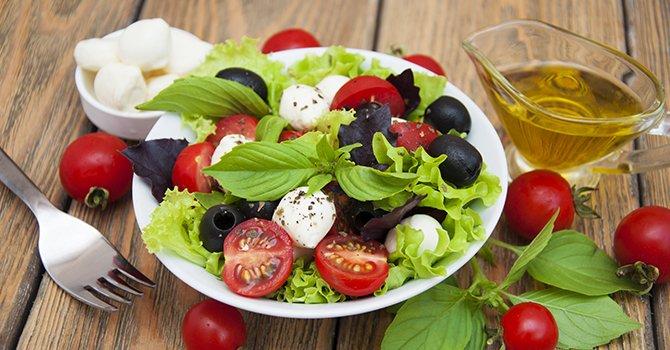 Salade Met Tomaat en Mozerella