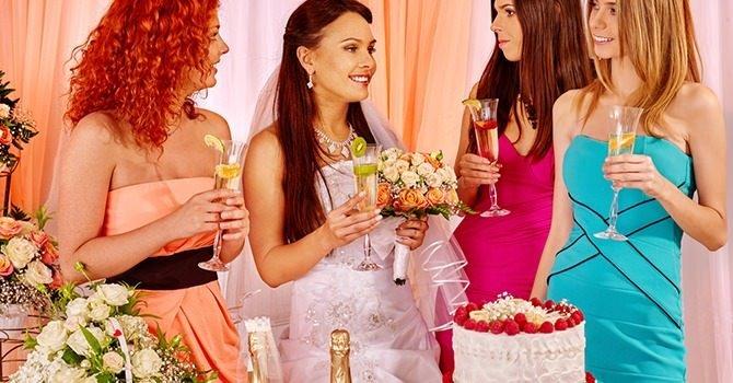 Ben je Uitgenodigd Voor een Bruiloft? Wat Moet je Aandoen?