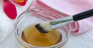 Een Doe-Het-Zelf Gezichtsmasker voor de Acne-Gevoelige Huid