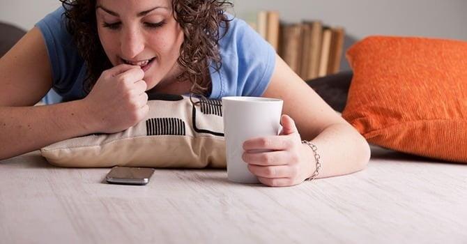 Nagelverzorging hoe je kunt stoppen met nagelbijten - Hoe je je desktop kunt verfraaien ...