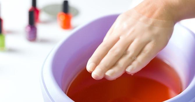 Nagelverzorging Kom meer te weten over de veel voorkomende oorzaken van schimmelnagels