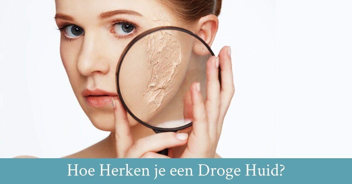 Vrouw droge huid vergrootglas