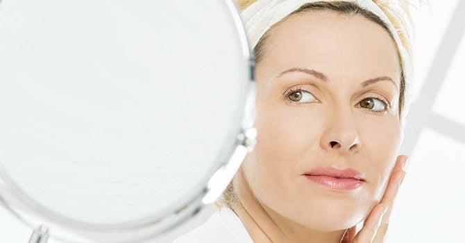 Zijn Moderne Anti-Aging Behandelingen Gevaarlijk?