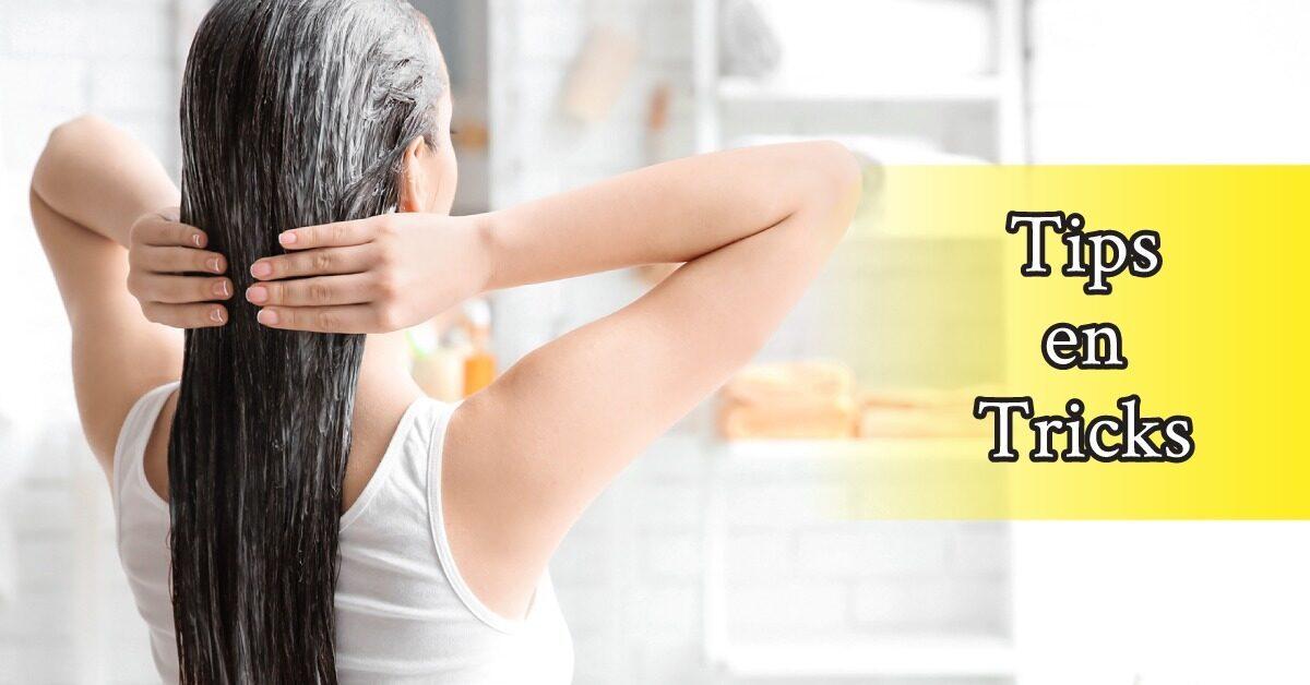 achterkant-Vrouw-lang-haar-badkamer-haarmasker