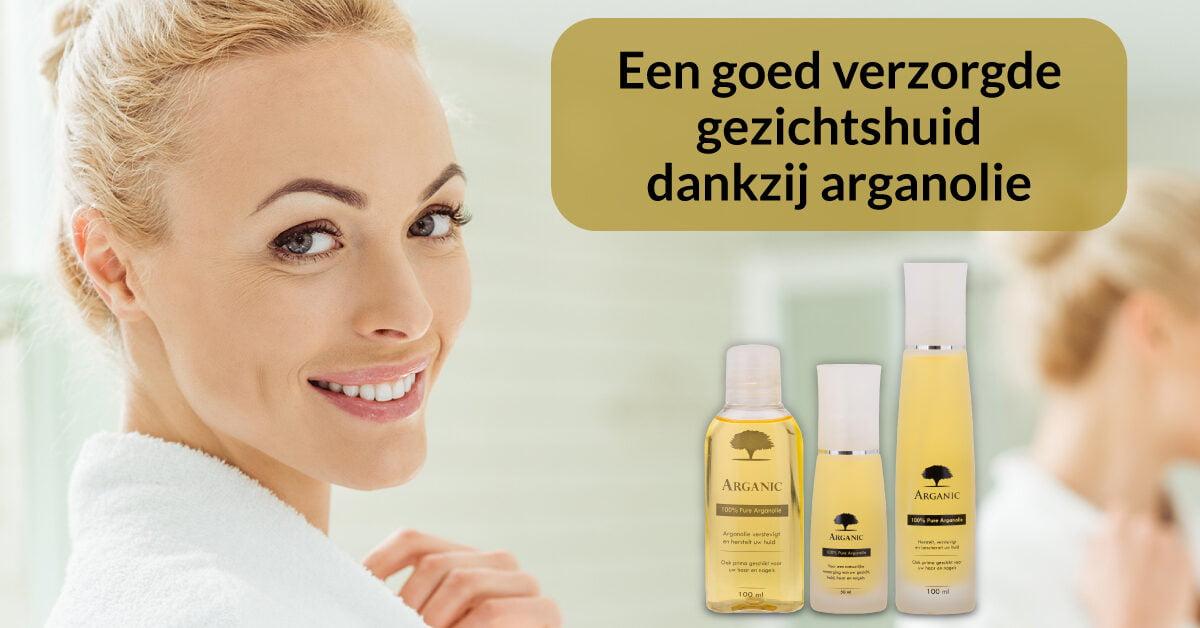 arganolie flesjes vrouw verzorgde huid gezichtsverzorging