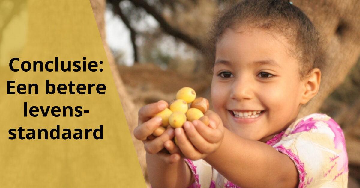 berber vrolijk kind meisje argannoten beter leefomstandigheden levensstandaard