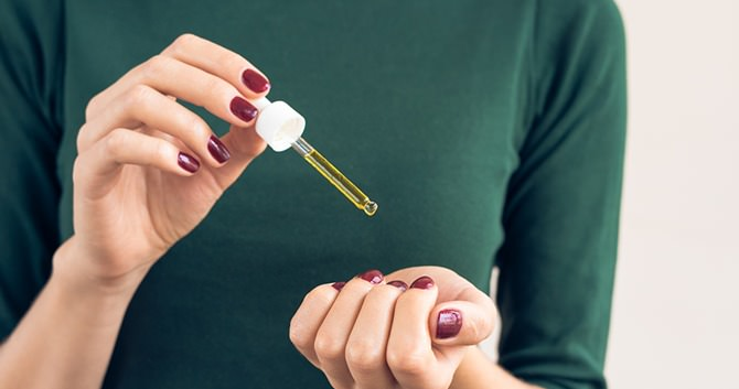gespleten-gebarsten-of-broze-nagels-5-stappen-om-je-nagels-sterker-te-maken2