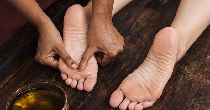 hoe-behandel-je-droge-voeten2