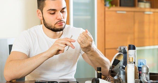 mannen-en-de-verzorging-van-hun-nagels2