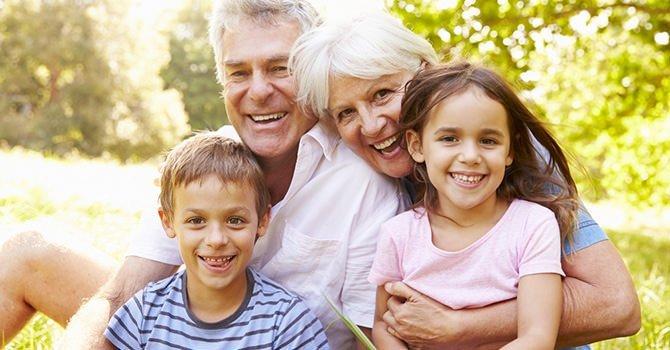 opa en oma met kleinkinderen