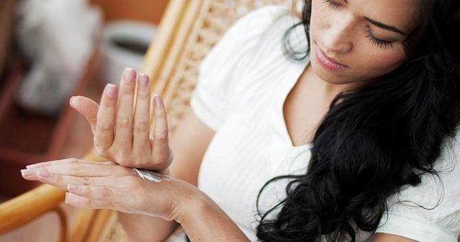 tips-om-jong-te-blijven-gerimpelde-handen-voorkomen2